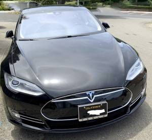Tesla Model S 85 2015 LOW miles $44100