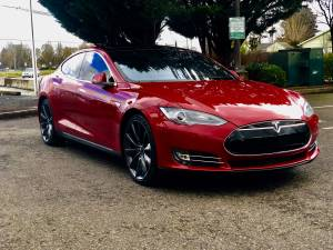 2016 Tesla Model S 85 Auto Pilot, Park Assist! (Portland) $48500