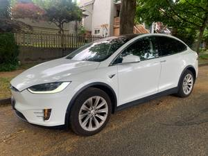 2016 TESLA X 90D ! LOCAL ! NO ACCIDENT ! 1 OWNER (Contact Ash 604-700-6264) $99000