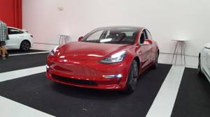 Tesla Model 3 long range red 2018 for sale (Irvine) $51000