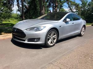 2014 Tesla Model S   Sedan *FULLY ELECTRIC *CLEAN (Silver) (PDX Car People LLC4231 SE Roethe Rd  Mil) $42995