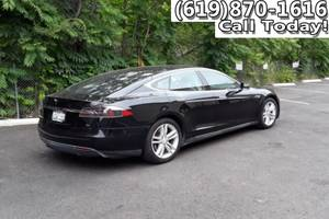 *2013* *Tesla* *Model S* *Sedan 4d* (Credit Specialists  *Tesla* *Model S*) $272