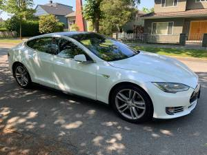 2015 Tesla S 85D ! HB !AWD ! CLEAN TITLE (Contact Ash 604-700-6264) $73900