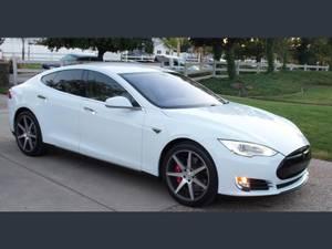 Carpool!!! 2014 Tesla Model S 85 | Custom w/ tons of upgrades (brentwood / oakley) $39900