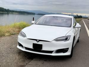 2016 Tesla Model S (NE Portland) $45550
