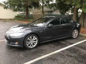 2015 Tesla Model S 85D with AP1 (Autopilot) (Vancouver) $36999