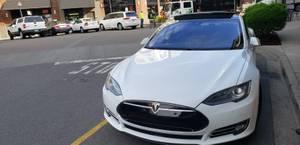 Tesla model S85 25k mile one owner (Juanita) $58000