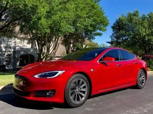 2017 Tesla Model S 75D – AP2 Auto Pilot, AWD, Premium, Full Warranty (Motion Classics) $62500