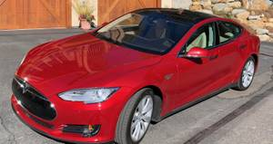 2015 Red Tesla P85D w Very lo miles (North Lake Tahoe) $65000