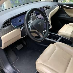 2016 Tesla model x (Lake Osweg) $64000