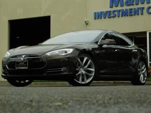 2012 Tesla Model S 85KW / Tech  Suspension Pkg/ 21 ARACHNID WH (+ MM Investment Cars) $36990