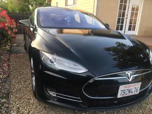 Gorgeous Black 2013 Tesla S Base 4dr (60 kWh) + Free Supercharging (campbell) $31000
