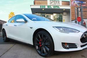Tesla model s only 29k miles w/Autopilot (working perfect) (concord / pleasant hill / martinez) $39999