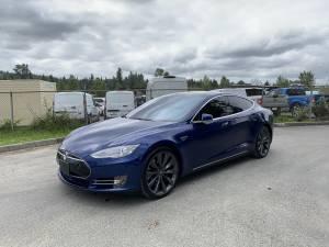 2015 Tesla Model S 70 39k Miles Autopilot Alcantara Factory Warranty (kenmore) $39000